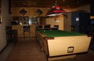 Klapmuts hotel - bar pool table